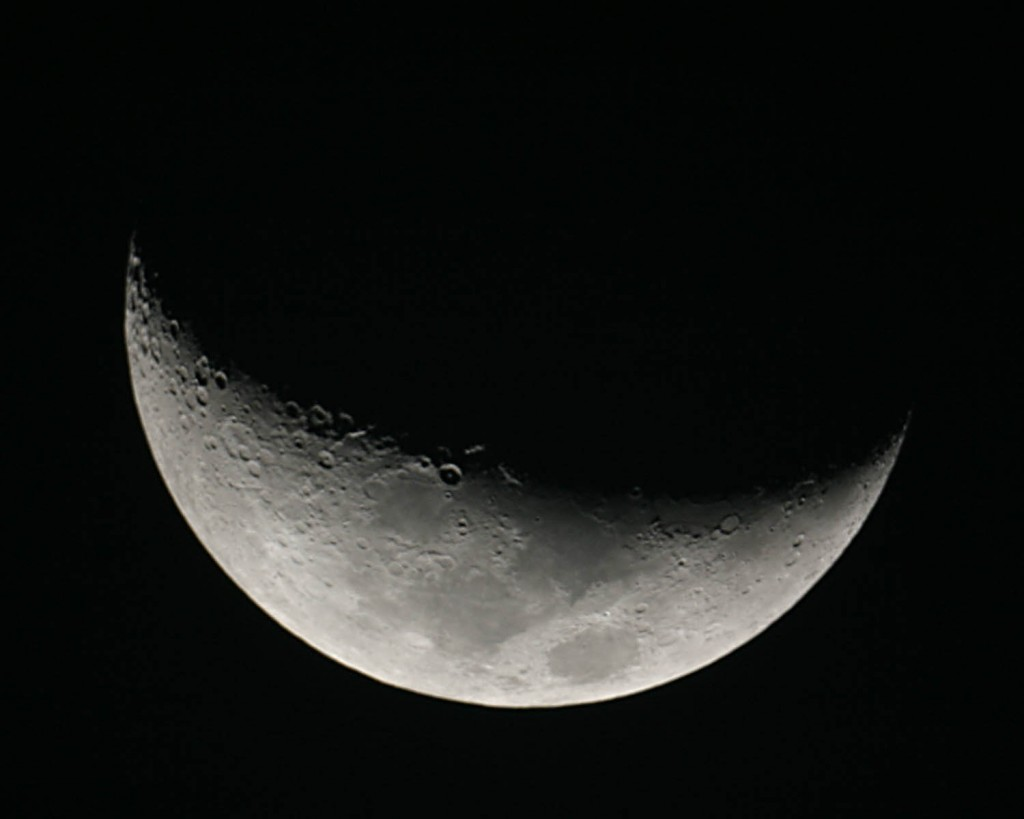 Crescent Moon - 200mm f/5 Newtonian, Canon Digital Rebel, Single Shot